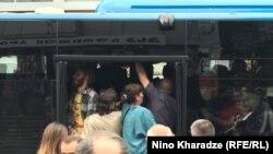 До конца забастовки машинистов проезд в муниципальных автобусах будет бесплатным