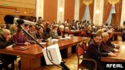 La şedinţa în plen a Parlamentului