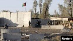 Афганські сили на території аеродрому в Кандагарі після відбиття атаки, 9 грудня 2015 року