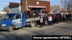 Кыргызстан менен Казакстандын чек арасындагы өткөрмө бекет. Чүй облусу