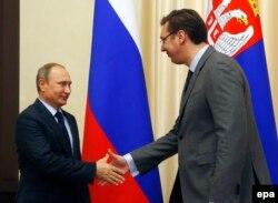 Президент Сербії Александр Вучич (праворуч) під час зустрічі із президентом Росії Володимиром Путіним. Москва, жовтень 2015 року