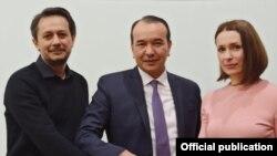 Руководство театра «Ильхом» с министром культуры Узбекистана Озодбеком Назарбековым.