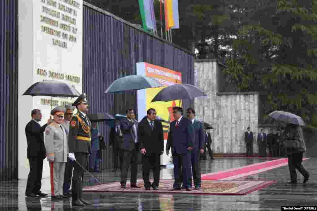 Празднование Дня Победы в г.Душанбе. Таджикистан. 9 мая 2011 г.