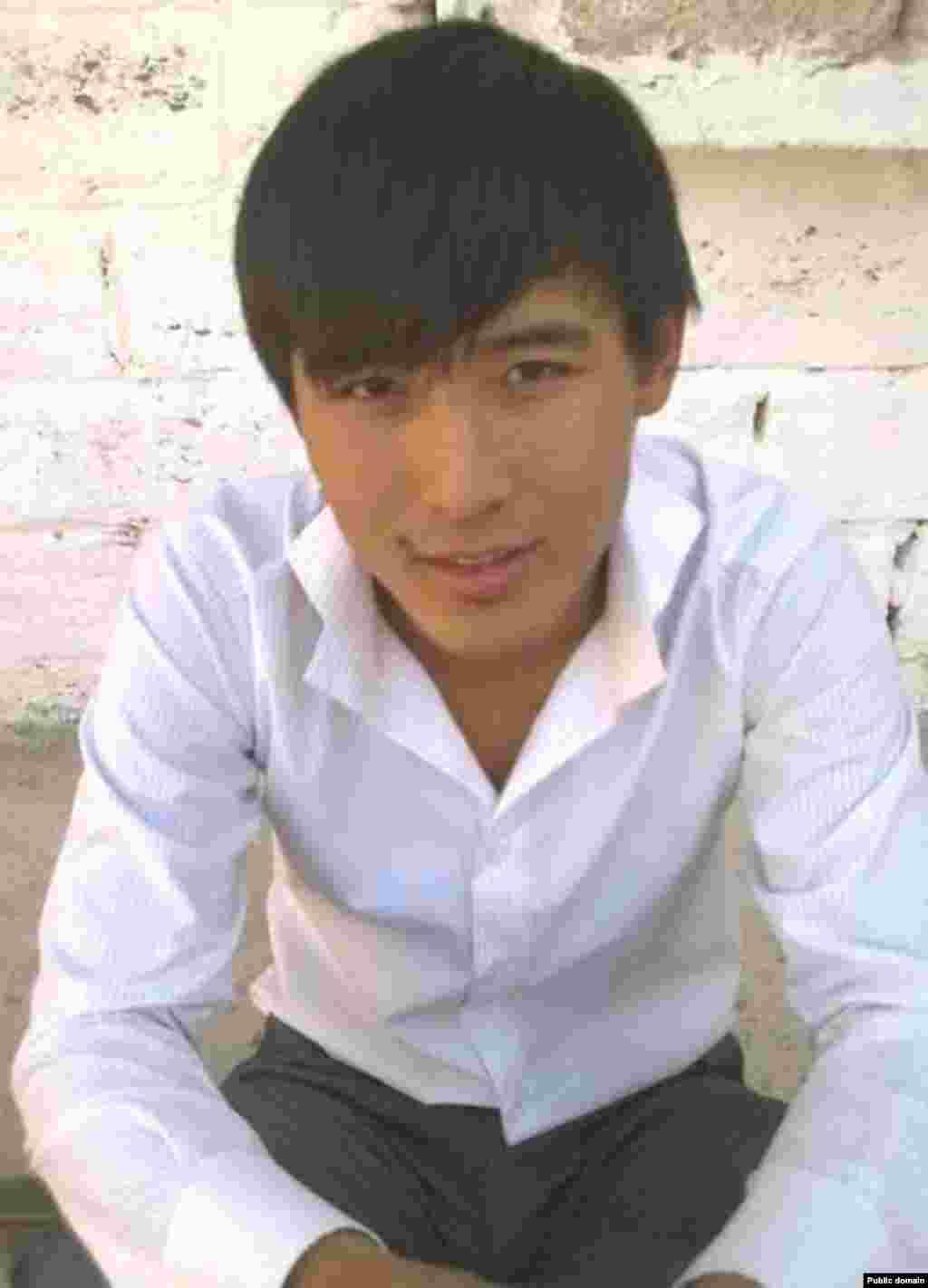 Байбек Кубайдуллаев был убит 16 декабря 2011 года в городе Жанаозен.