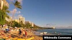 Одна з візитівок штату Гаваї – пляж Вайкікі-Біч