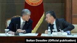 Фарид Ниязов президент Алмазбек Атамбаев менен.