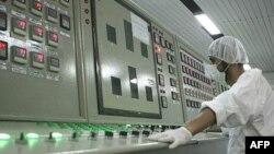 مقامات ایران به ادعای گریز یک فرد مرتبط با برنامه اتمی کشور خود واکنش نشان ندادهاند.