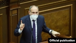 Armenia -- Prime Minister Nikol Pashinian speaks in the parliament, Yerevan, June 25, 2020.
