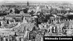 Dresden razrušen nakon bombardiranja u Drugom svjetskom ratu, 1945.