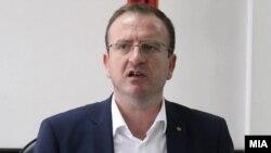генералниот секретар на Алијансата за Албанците и градоначалник на Гостивар Арбен Таравари
