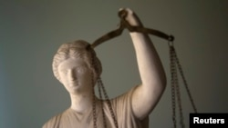 Nakon 12 godina suđenja postupak je pravosnažno okončan na način da je uloga JNA, koja je bila najodgovornija za stradanje civila u Lovasu, svedena na minimum, a svi njeni pripadnici osuđeni na kazne zatvora ispod zakonskog minimuma, ocenjuje FHP.