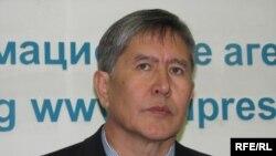 Алмазбек Атамбаев бүгүнкү маалымат жыйынында