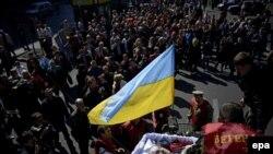Похороны одного из погибших участников акций протеста в Киеве