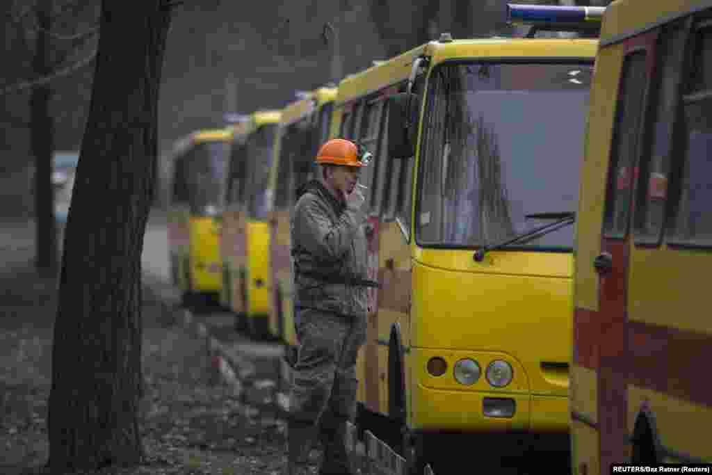 Самым крупным происшествием на шахте имени Засядько остается взрыв метана 18 ноября 2007 года. Тогда погиб 101 человек. Общенациональный траур на Украине длился тогда три дня
