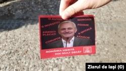 Un fluturaș al protestatarilor anti-PSD de la mitingul de la Iași, unde Liviu Dragnea și-a asumat discursul suveranist