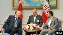 رجب طیب اردوغان سال گذشته به تهران سفر و با محمود احمدینژاد دیدار کرد.