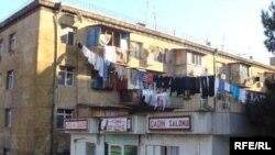 Bakı Dövlət Universitetinin qaçqınlar məskunlaşmış tələbə yataqxanası
