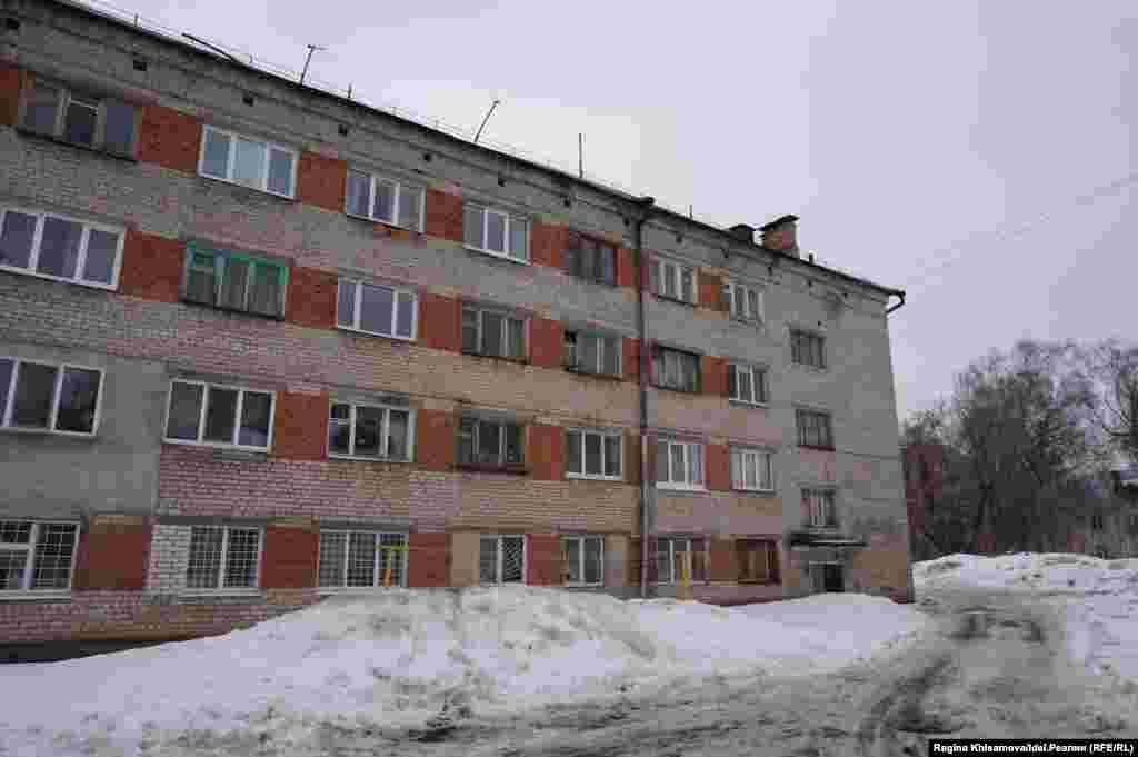 Дом по Гоголя 45а, где в пятницу обрушилась часть несущей стены.