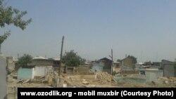 Разрушенные дома в Шахрисабзе.