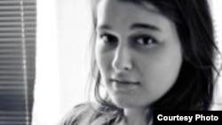 Ива Додевска, студентка на Новинарски студии на УКИМ и активист на студентското движење Слободен Индекс.
