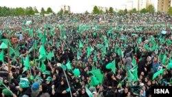 یکی از تجمع های هواداران میر حسین موسوی در مشهد در جریان مبارزات انتخابات دهم ریاست جمهوری