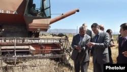 Armenai - Prime Minister Tigran Sarkisian visits a rural community in Gegharkunik region.