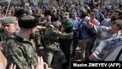 """Митинг """"Он нам не царь"""" 5 мая в Москве."""
