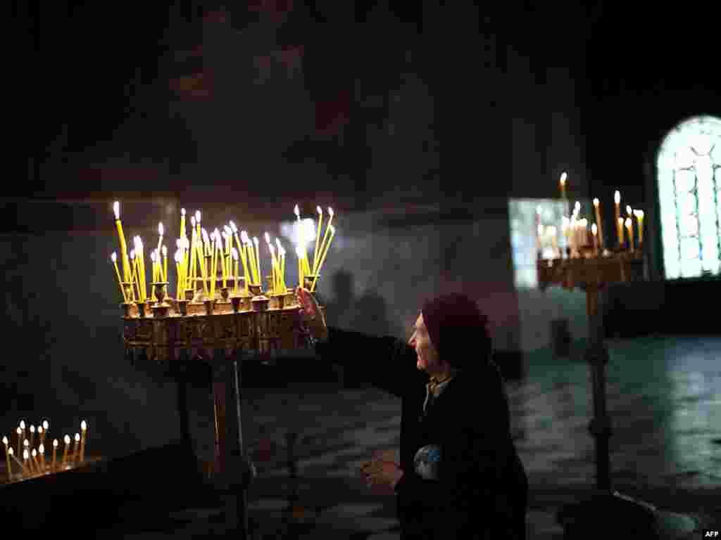 Сегодня православные отмечают Чистый Четверг. Молебен в Храме Александра Невского в Софии