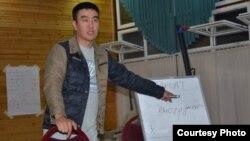 Сейтек Качкынбаев коомдук өнүгүү жаатында уюштурулган семинарлардын биринде.