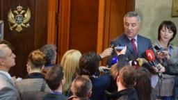 Predstavnici crnogorskih medija uzimaju izjavu od Mila Đukanovića, fotoarhiv
