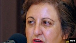 South Korea - Shirin Ebadi, Iranian lawyer, at a breakfast meeting hosted by the Korean Bar Association in Seoul, 10Aug2009