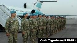 Вернувшиеся после стажировки в Индии казахстанские миротворцы. Алматы, 14 апреля 2018 года.