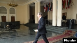 Armenia -- OSCE Minsk Group Co-Chair James Warlick at the Foreign Ministry of Armenia, Yerevan, 17 Feb, 2015