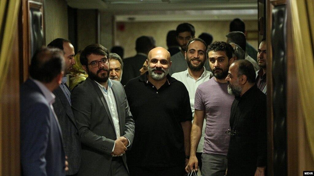 عوامل و بازیگران سریال گاندو در یک نشست خبری شرکت کردند و از عملکرد خود در این سریال دفاع کردند.
