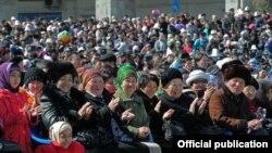 Ноорузду майрамдоо. Ала-Тоо аянты. Бишкек. 21-март 2012