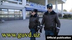 Сотрудники «специального патруля» в Ташкенте. Фото с сайта ГУВД города Ташкента.