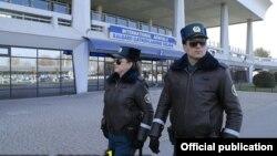 Ташкент әуежайындағы полиция қызметкерлері (Көрнекі сурет).