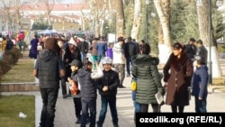 Uzbekistan - New Year fair in Samarkand city