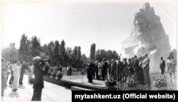 Toshkentdagi Al-Xorazmiy yodgorligi ochilishi, 1983 y. (mytashkent.uz fotosi)