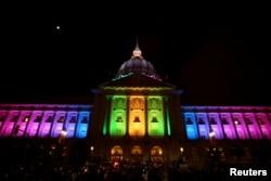 Акция в Сан-Франциско в память о погибших в Орландо
