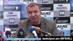 Кандидат от ППА Микаэл Мелкумян на пресс-конференции, Ееван, 26 ноября 2018 г․