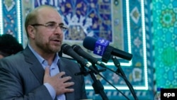 Tehran Mayor and presidential candidate Mohammad Baqer Qalibaf speaks during an election campaign rally in Jame mosque in the city of Varamin, May 14, 2017