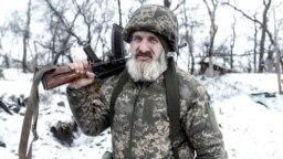 Pe front în Donbas, la 2 km de liniile separatiste.