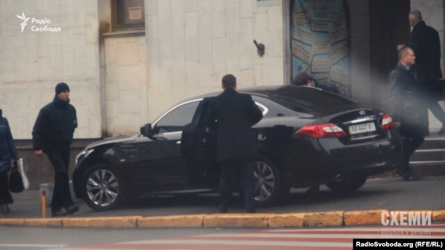 Знімальна група «Схем» уже фіксувала цей самий «Інфініті» за порушенням паркування минулого року