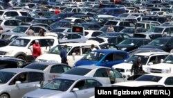 Бишкектеги автоунаа базары.