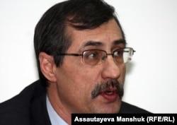Евгений Жовтис, правозащитник. Алматы, 20 февраля 2013 года.