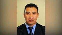 Дамир Мусакеев Аскер прокуратурасына сурак берип чыкты