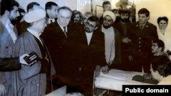 Arxiv fotosu: Keçmiş prezident Heydər Əliyev İranda səfərdə olarkən.