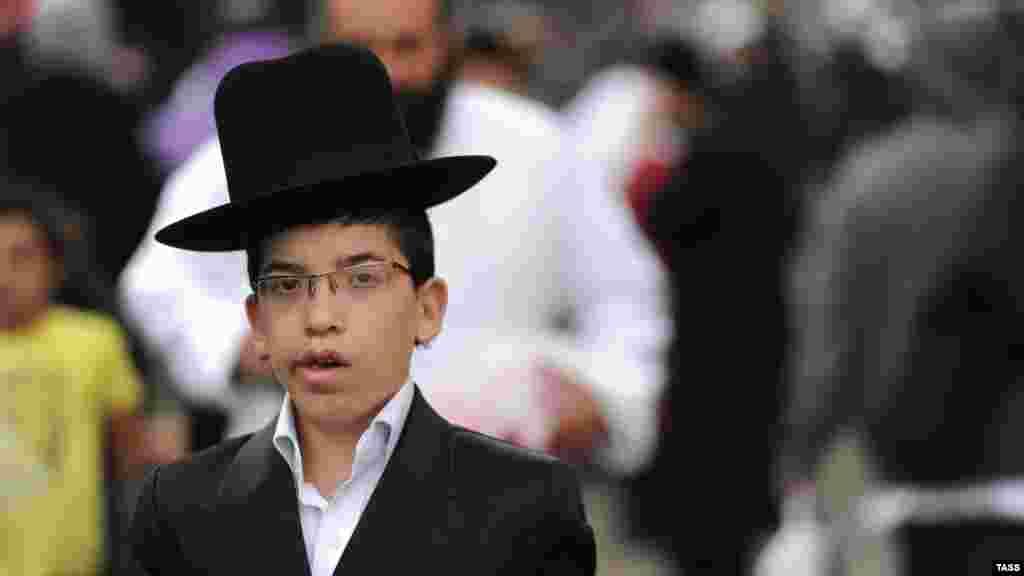 Hasidic Jews celebrate the traditional Jewish New Year in Uman, Ukraine. (ITAR-TASS)