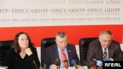 Члени Постійної комісії зі ЗМІ Верховної Ради Криму